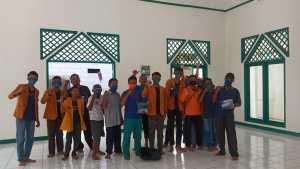 Ikatan Pelajar Muhammadiyah (IPM) menyalurkan donasi Gerakan Lawan Covid-19 2000 rupiah