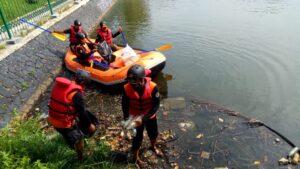 Bersihkan Sekretariat dan Danau Pemda, Upaya Kwarcab Kabupaten Bogor Peringati WCD