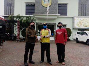 Dari Jonggol, MI Hidayatul Athfal Berikan Donasi untuk Korban Bencana di Cisarua
