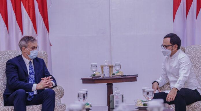 Wali Kota Bogor (kanan) bersama Dubes Uni Eropa (kiri). (Ist)