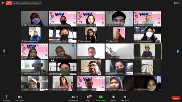 Dosen dan Mahasiswa IPB University Gelar Webinar Ajak Masyarakat Bijak Berinternet