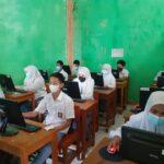 50 Siswa SMA Puspa Bangsa Ikuti Gladi Asesmen Nasional Berbasis Komputer